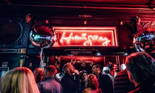 CityGames Köln Sightseeing Party Tour: Bar Hemmingway
