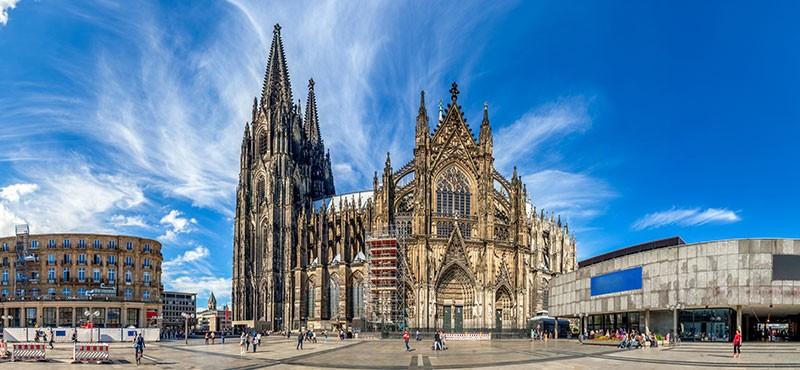CityGames Köln Schüler Tour: Kölner Dom im Sommer