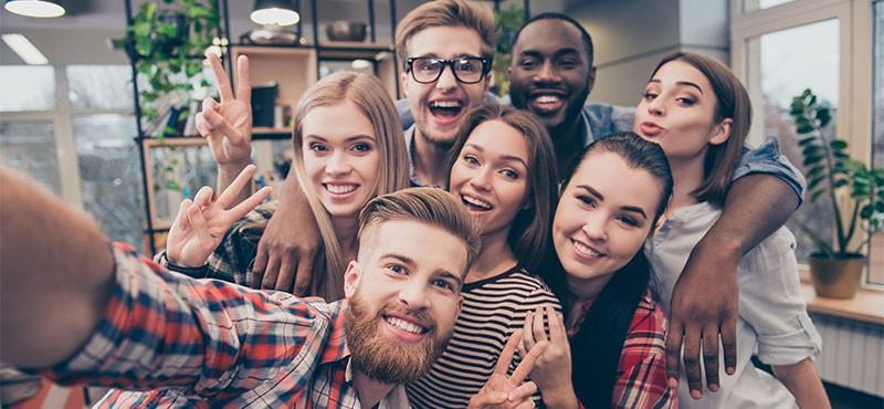 CityGames Köln Student Tour: Gruppe Studenten - beschwingt und glücklich