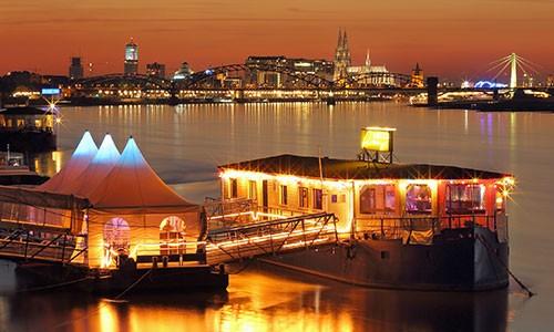 CityGames Köln Sightseeing Party Tour: Special Rhein Roxy